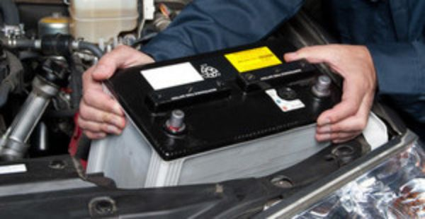 Equip'Auto Pneu propose un service de changement de batteries